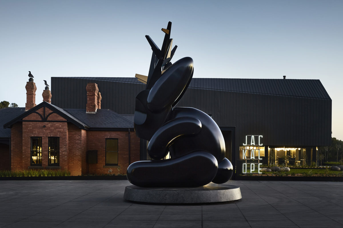 A giant jackalope sculpture sits outside the Jackalope hotel.