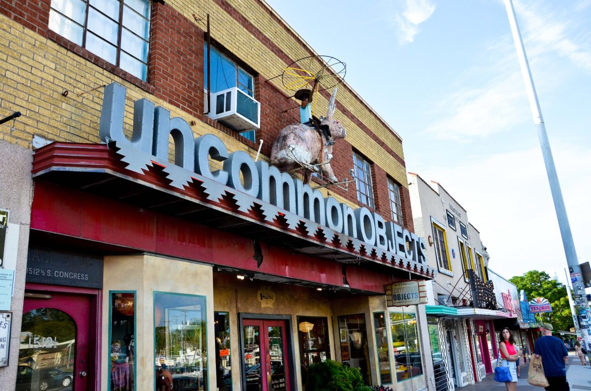 "storefront sign that says ""uncommon objects"""